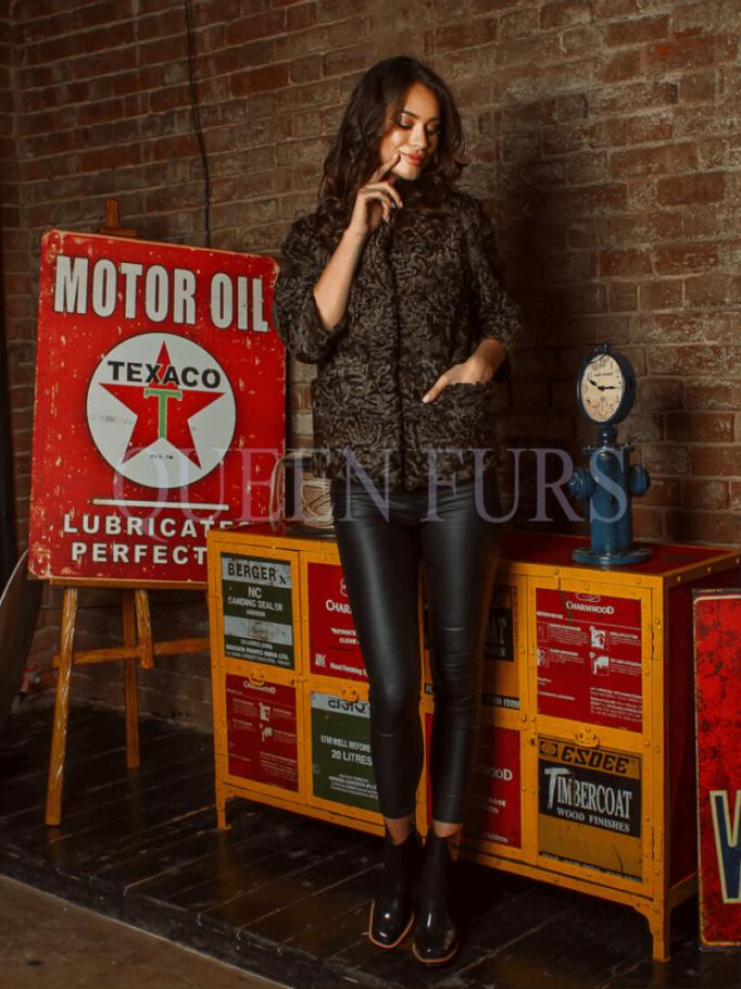 Элегантная куртка из каракуля, купить в Москве