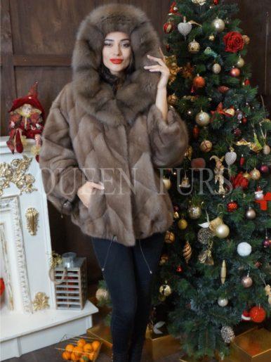 Жакет из меха норки с капюшоном (мех куница) в пастельном цвете, 65 см, модель 012