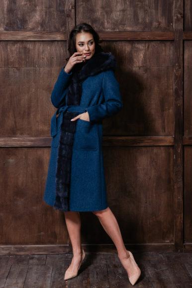 Пальто с капюшоном синего цвета с норкой, 110 см, модель П-04