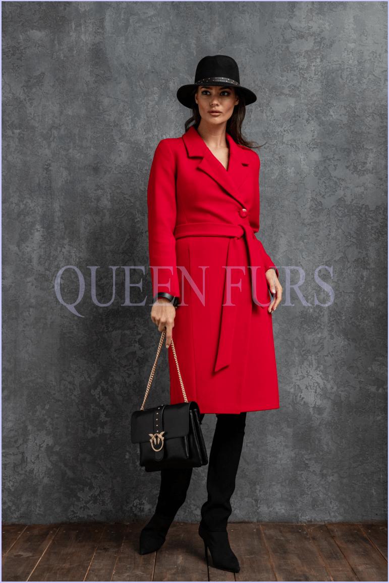 Красное пальто из кашемира